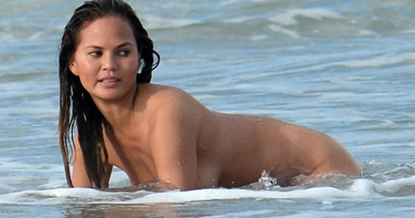 14 Chrissy Teigen Nude Photos